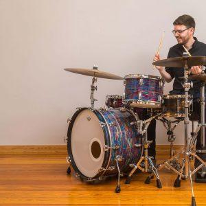 Julian-Gutjahr-Schlagzeug-Header-Schlagzeugunterricht-Hamburg-Eimsbüttel